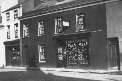 Atholl Place, Woods' shop