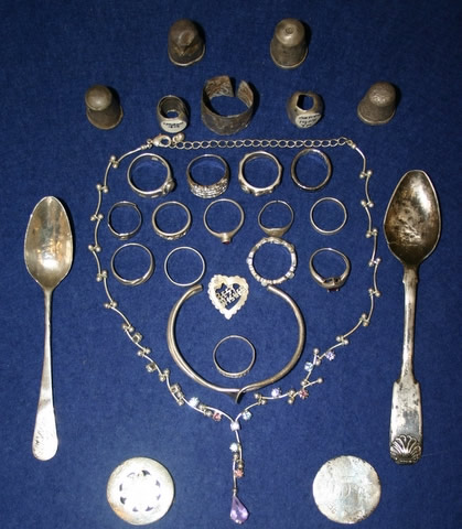 Silver jewellery, thimbles, spoons, 19th and 20th Century