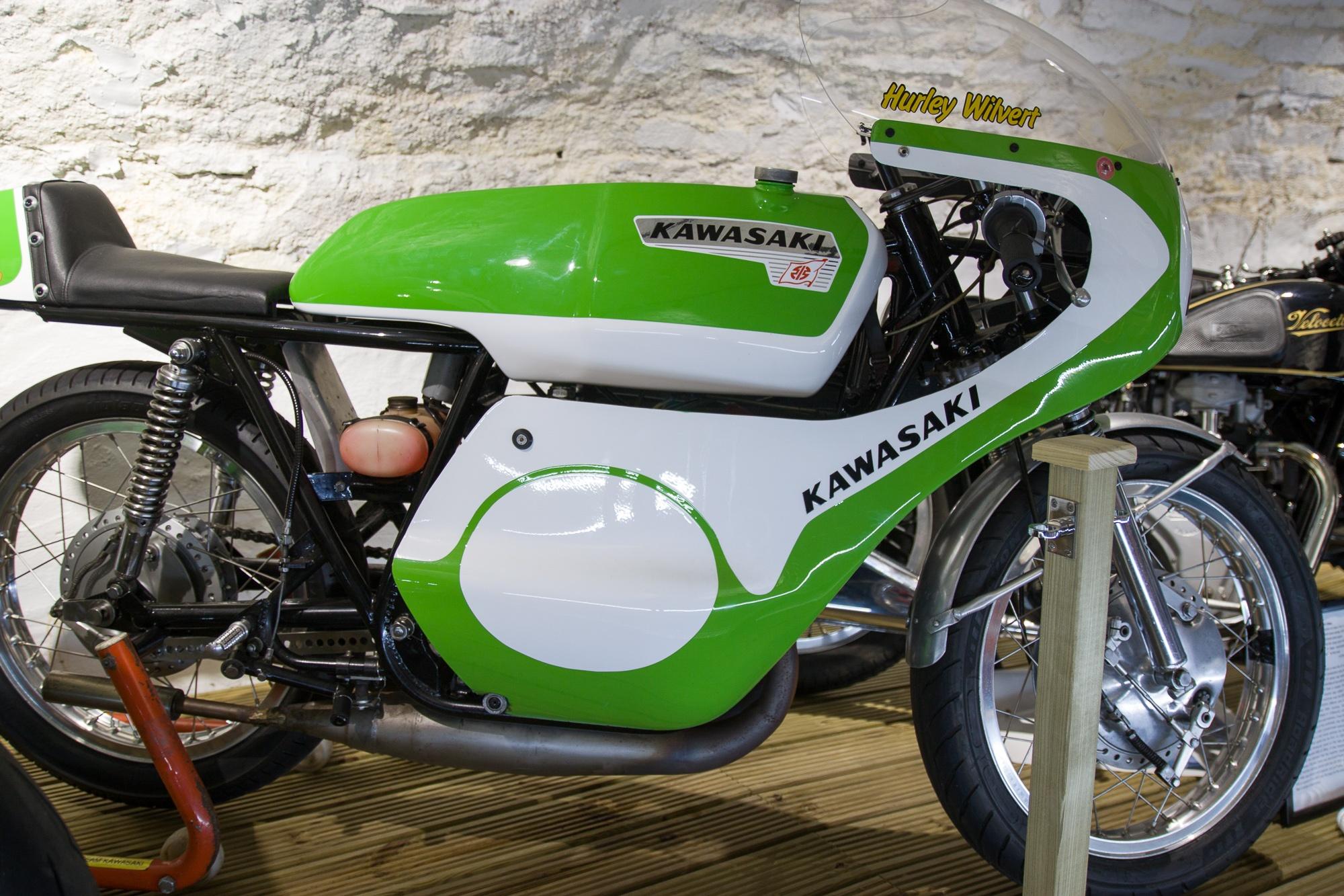 KAWASAKI A1R 250cc 1966