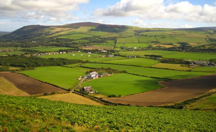 Knockaloe Beg Farm from hill